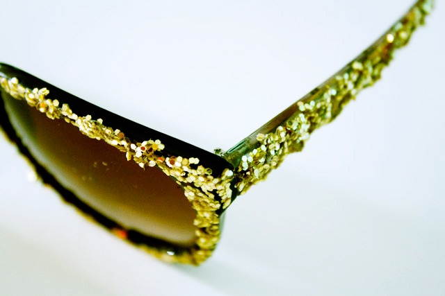 Eye Catching DIY Glitter Sunglasses