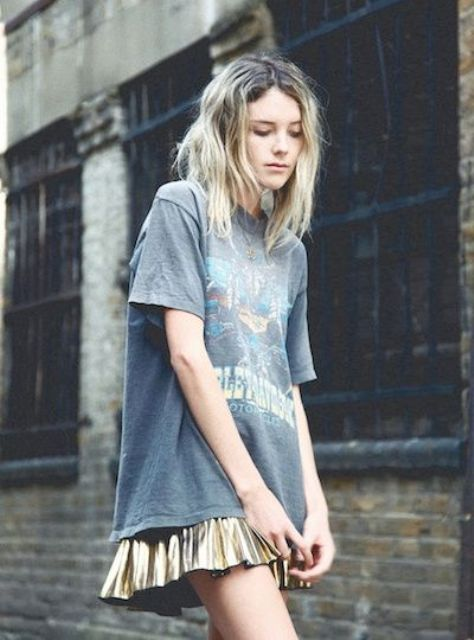 Grunge look with mini skirt and loose t shirt