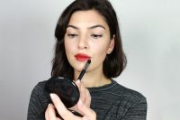 How To Wear A Bold Lip Color 4