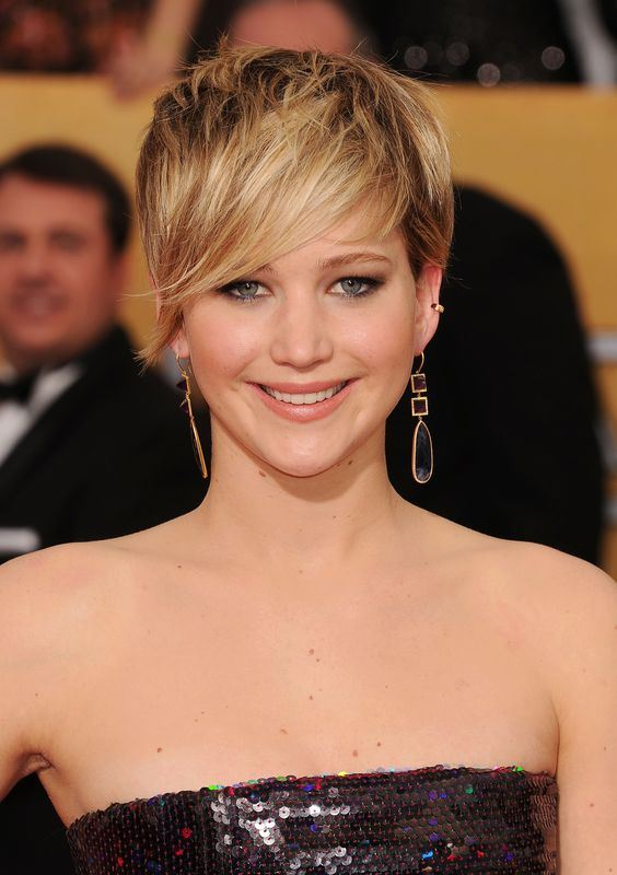 Jennifer Lawrence's Pixie Cut With A Long Fringe