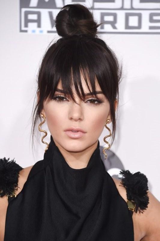 Selena gomez haircut with side bangs