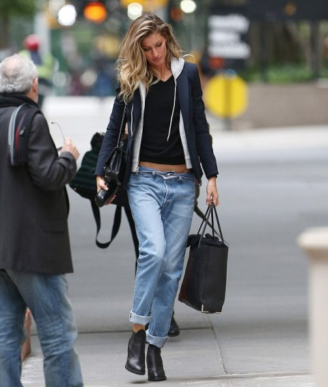 Look with low slung jeans and boots