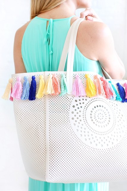 Lovely DIY Pastel Tassel Beach Bag