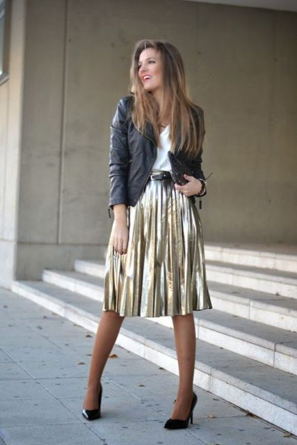 Outfit with midi metallic skirt, black heels and leather jacket