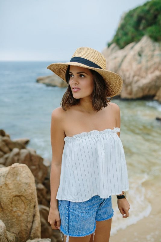 Picture Of adorable diy pinstriped summer top  1