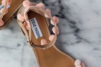 fancy-diy-aquazzura-inspired-pom-pom-sandals-summer-1