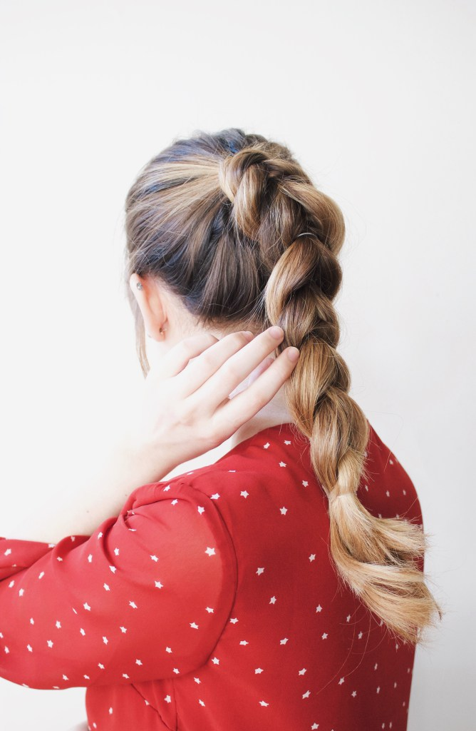 Stylish And Easy DIY Pull Through Braid step 4