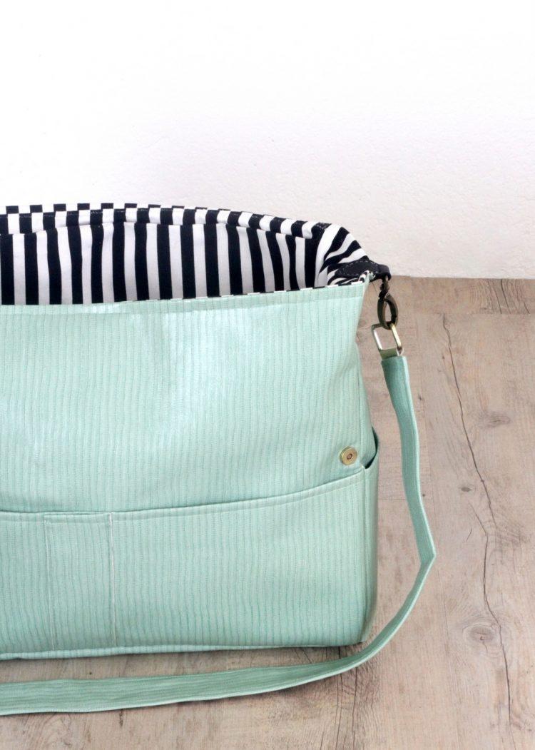 Stylish And Very Comfy DIY Messenger Bag