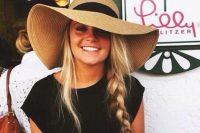 02 trendy wide-brimmed summer hat
