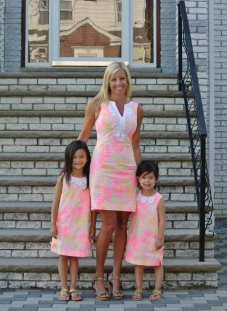 d568af7e27e 22 Cute Matching Mother And Daughter Outfits For Summer - Styleoholic