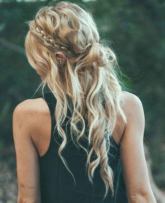 loose boho hairstyle