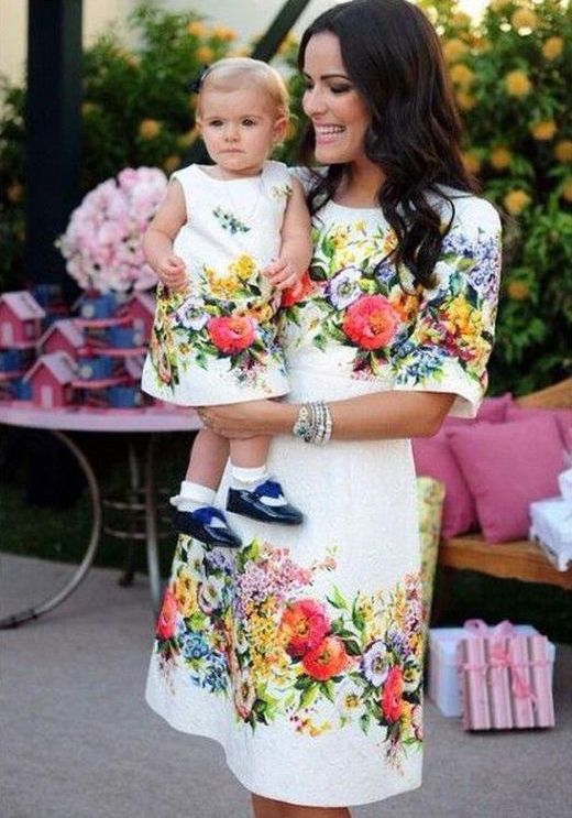 floral dress matching looks for a mom and a daughter