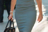 10 grey pencil dress with pink heels
