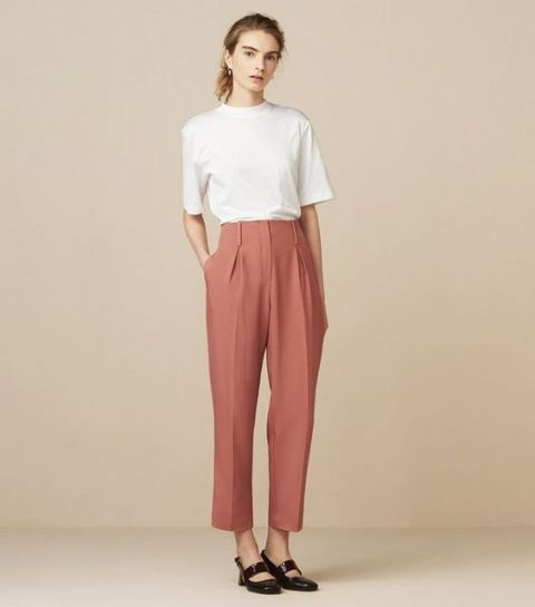 Chic look with high waist pants and white t-shirt