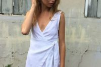 Comfy v-neckline wrap dress