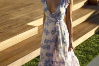 Gentle look with maxi wrap dress