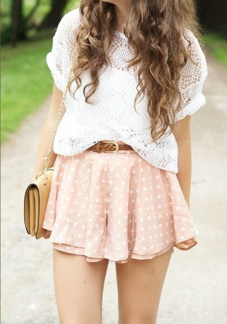 Gentle polka dot skirt and lace shirt