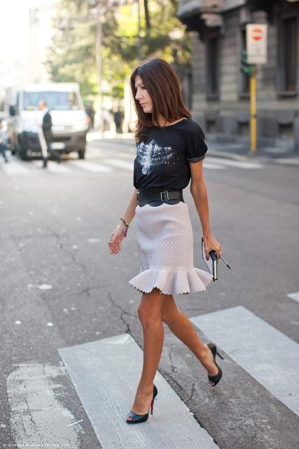 Gentle trumpet skirt with high heels