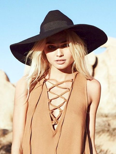 Lace up top with wide brim hat
