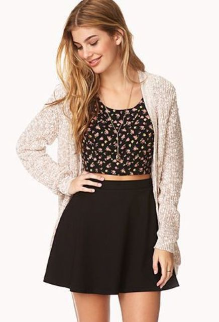 Look with black top skirt and floral top
