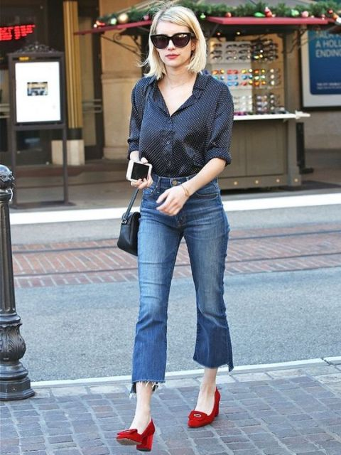 Look with cropped flared jeans, classic shirt and eye-catching shoes