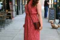 Look with maxi halter dress and crossbody bag