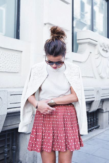 Look with mini polka dot skirt