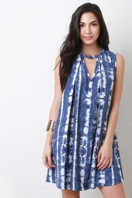 Look with original tie dye dress