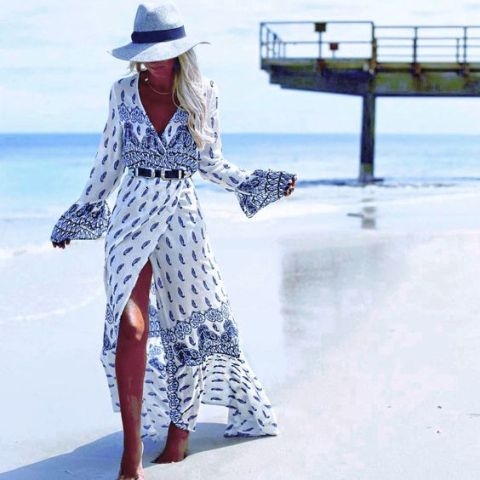 Look with wrap dress and wide brim hat