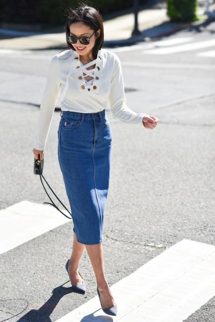 Office look with lace shirt and denim pencil skirt