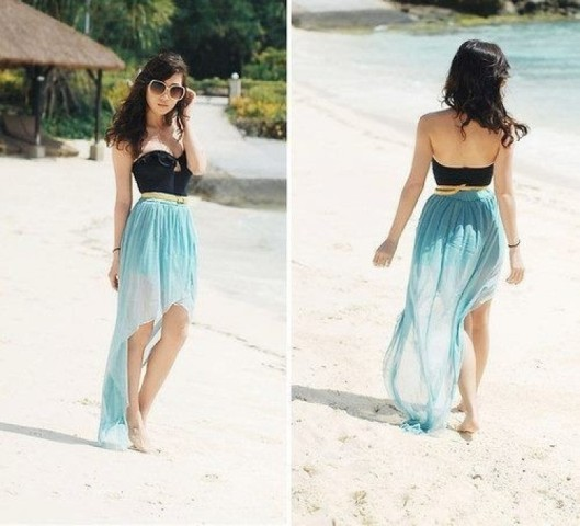 Outfit with airy high low skirt