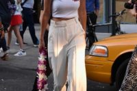Outfit with high waist trousers and crop top