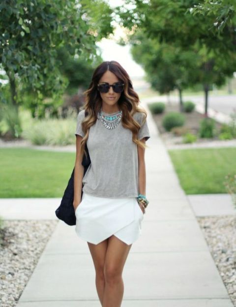 Outfit with t-shirt and white tulip skirt