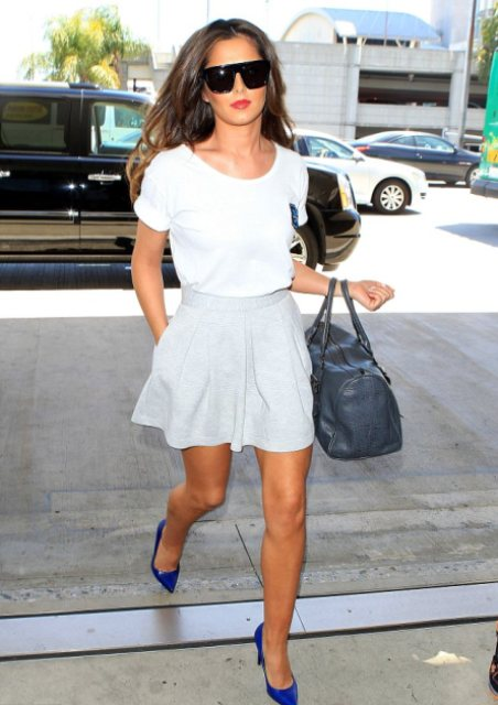Outfit with white t-shirt and pastel color skirt