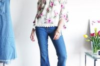 Outifit with floral top and cropped flared jeans