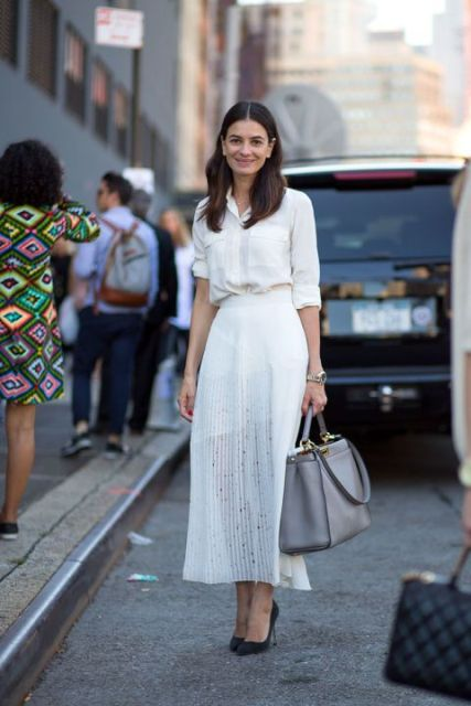 Summer look with white pleated skirt