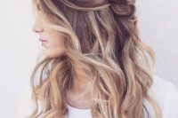 brown to blond ombre wavy hair