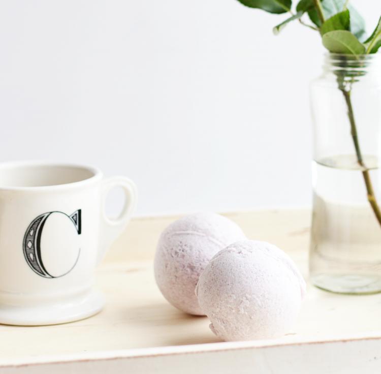 DIY bath bombs with essential oils