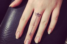 02 boat and anchor on a finger