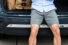 03 grey shorts, a blue shirt and beige vans