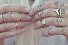 08 simple black tattoos on all fingers