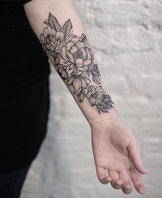 32 cutest flower tattoo designs for girls that inspire for Forearm flower tattoos