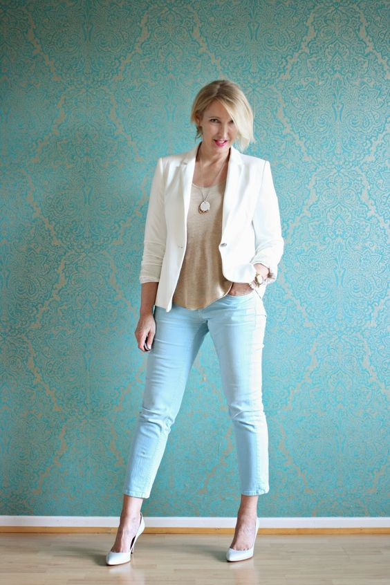 a tank top, a white blazer and serenity skinnies