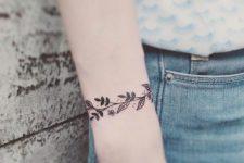 32 floral tattoo wristband