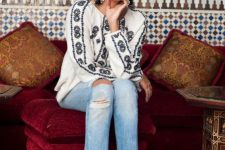 Boho chic look with embroidered blouse and jeans