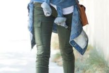 Casual look with cargo trousers and heels