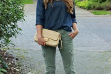 Casual outfit with sweatshirt and pants