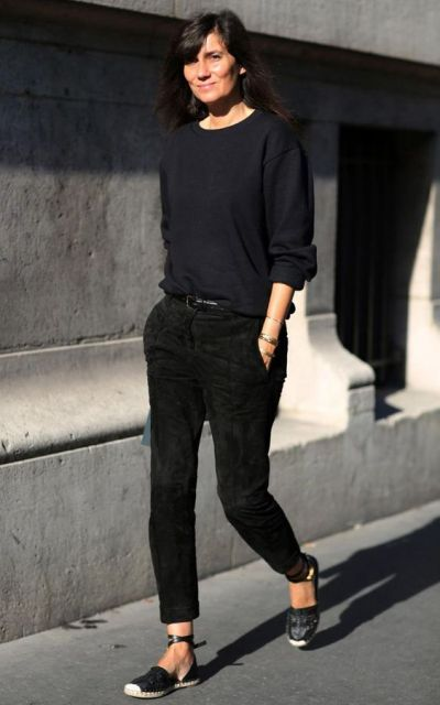 Chic all black look with espadrilles
