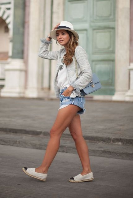 Comfy look with espadrilles, denim shorts and hat