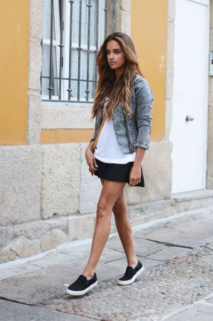 Comfy outfit with black mini skirt, denim jacket and sneakers